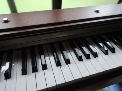 ピアノの組み立て